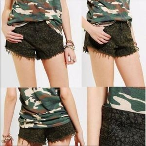 BDG UO Olive Green Low Rise Frayed Mia Shorts 28